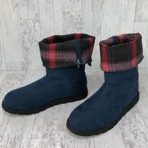 Muk Luks Fold Over Plaid Boots Size 8